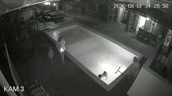 Семилетняя девочка спасла тонувшего в бассейне мальчика в Крыму. Кадры случившегося
