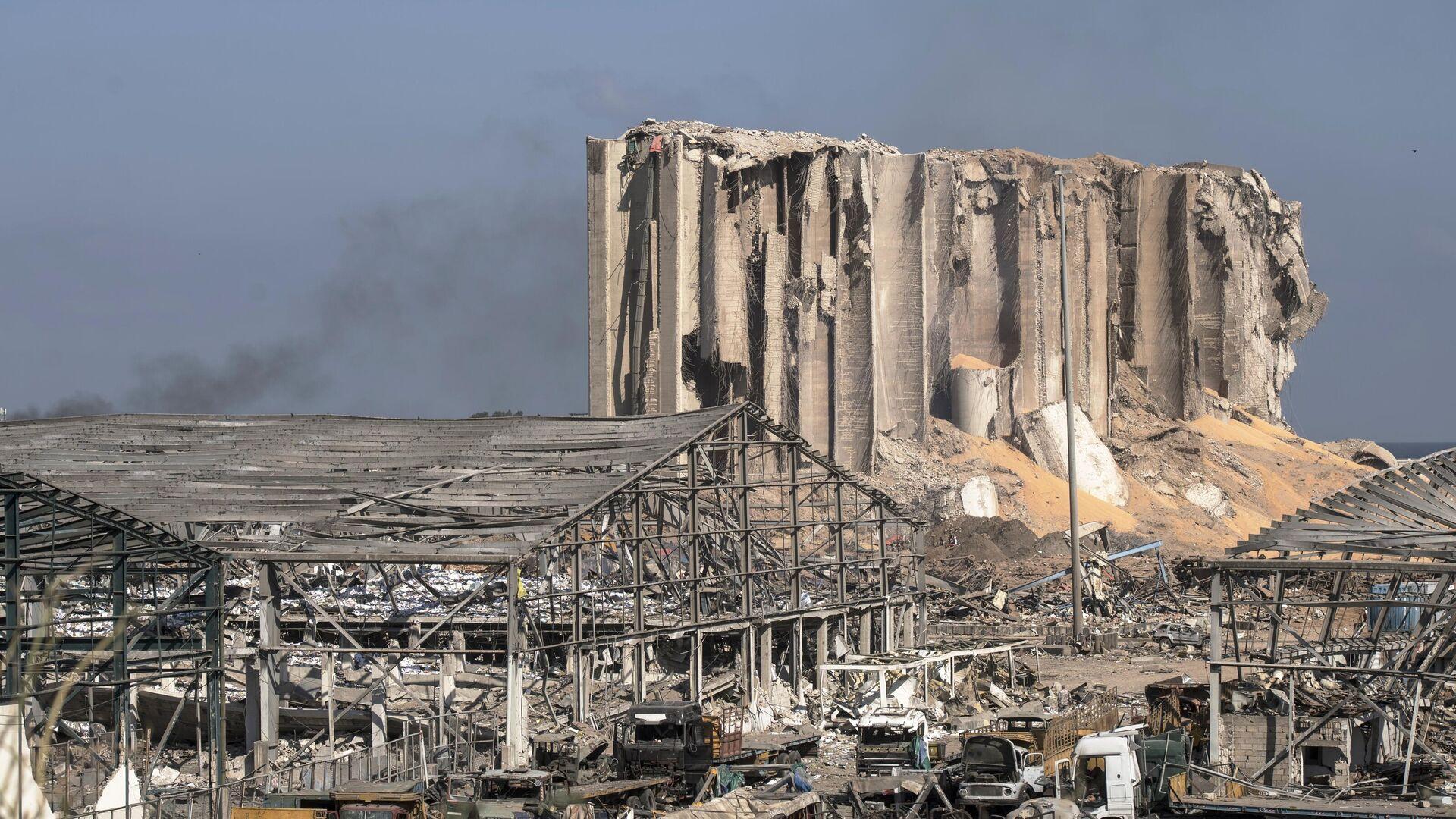 Разрушенный порт города Бейрут - РИА Новости, 1920, 04.08.2021