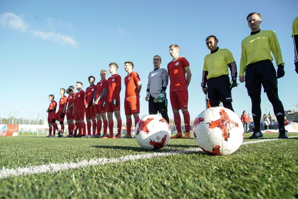 Футбольная команда МГПУ перед матчем