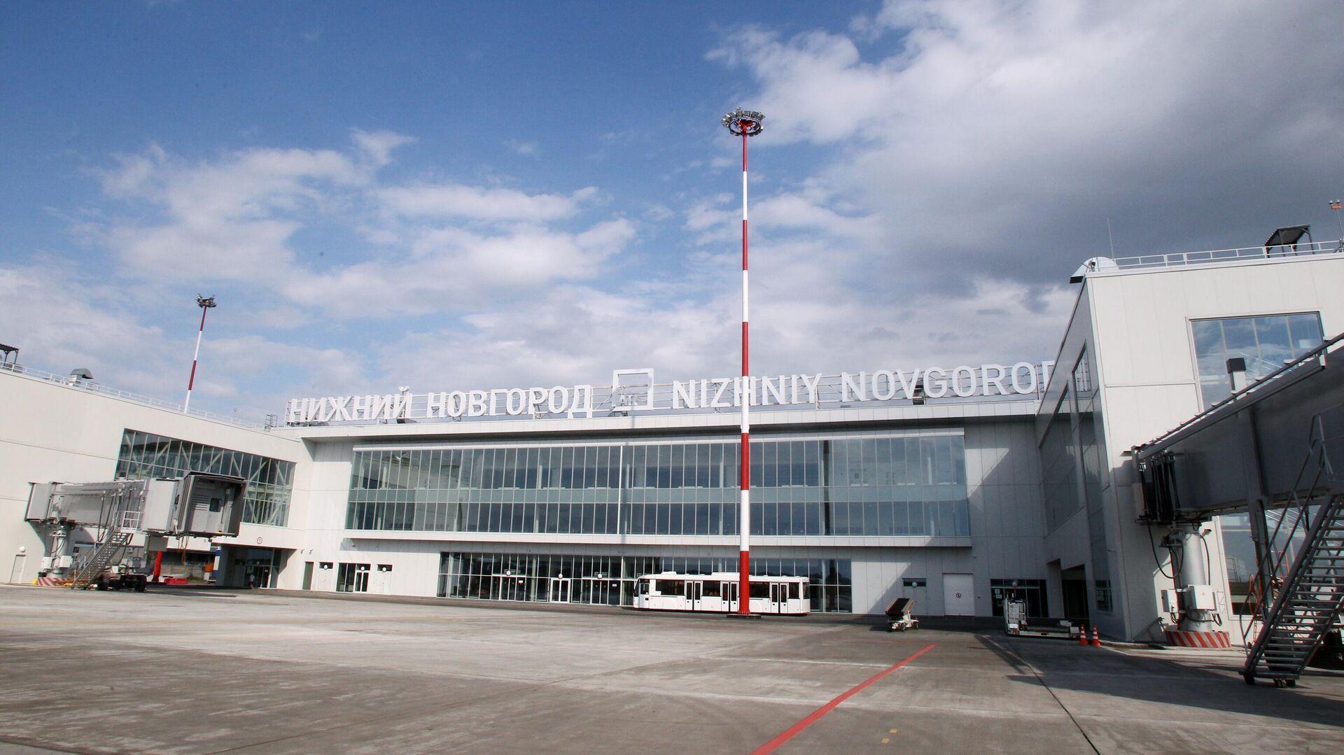 Самолет, летевший из Москвы, сел в Нижнем Новгороде из-за того, что пассажирке стало плохо