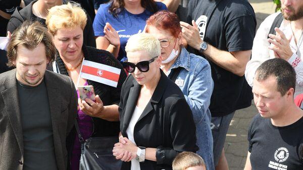 Соратница Светланы Тихановской Мария Колесникова на акции протеста у метро Пушкинская в Минске