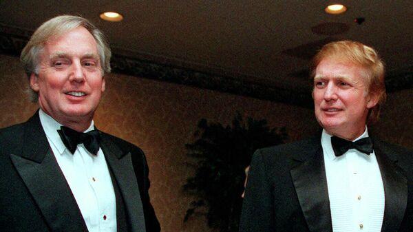 Роберт Трамп и Дональд Трамп на приеме в Нью-Йорке 4 ноября 1999 года
