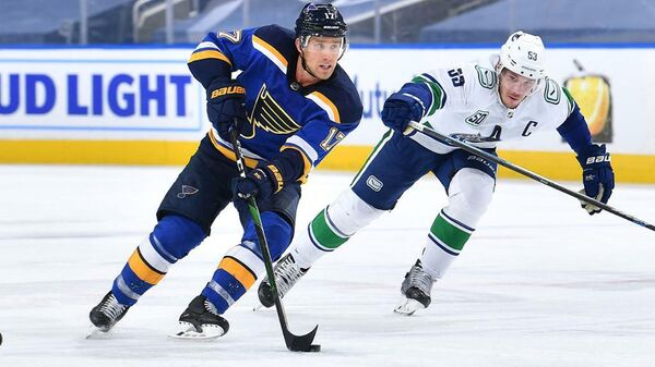 Матч НХЛ между командами Сент-Луис Блюз и Ванкувер Кэнакс