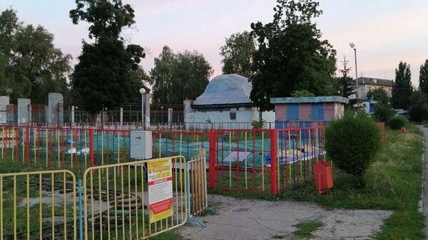 Неработающая часть аттракционов в Центральном парке Тольятти
