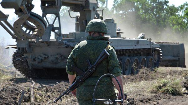 Работы по оборудованию КПВВ Луганск - Счастье у линии соприкосновения в Донбассе