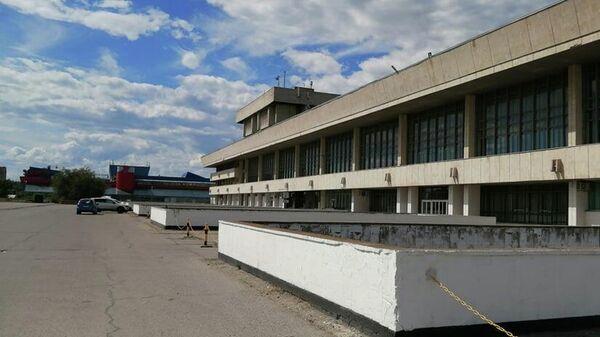 Стилобат Дворца культуры и техники в Тольятти
