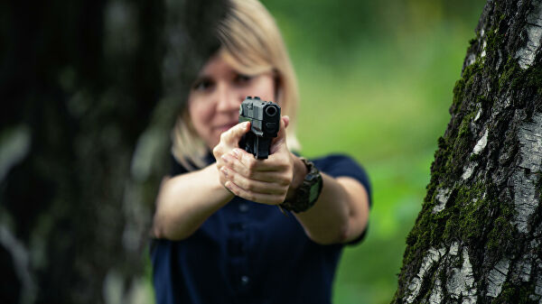 Стрельба из пистолета 'Полоз'