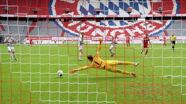 Игровой момент матча Бундеслиги Бавария - Фрайбург