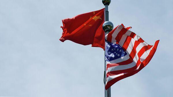 Флаги США и Китая