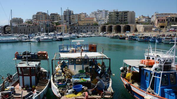 Старый венецианский порт в Ираклионе на острове Крит