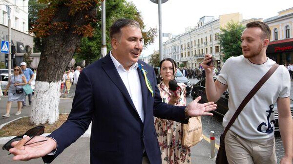 Забронированное Саакашвили место на рейсе Киев — Тбилиси осталось свободным
