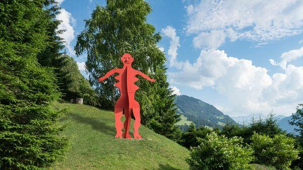Скульптура Александра Колдера Без названия 1976 год в деревне Гштад, Швейцария