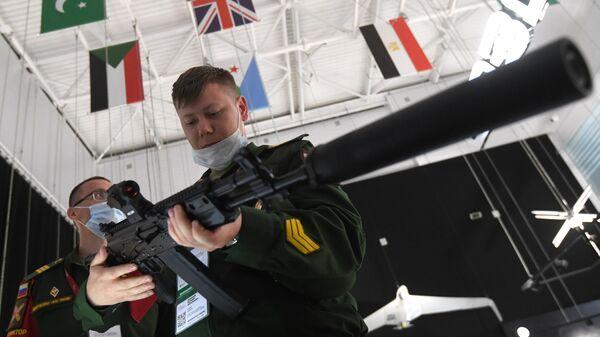 Новый вариант автомата Калашникова АК-19, представленный на выставке вооружений Международного военно-технического форума (МВТФ) Армия-2020