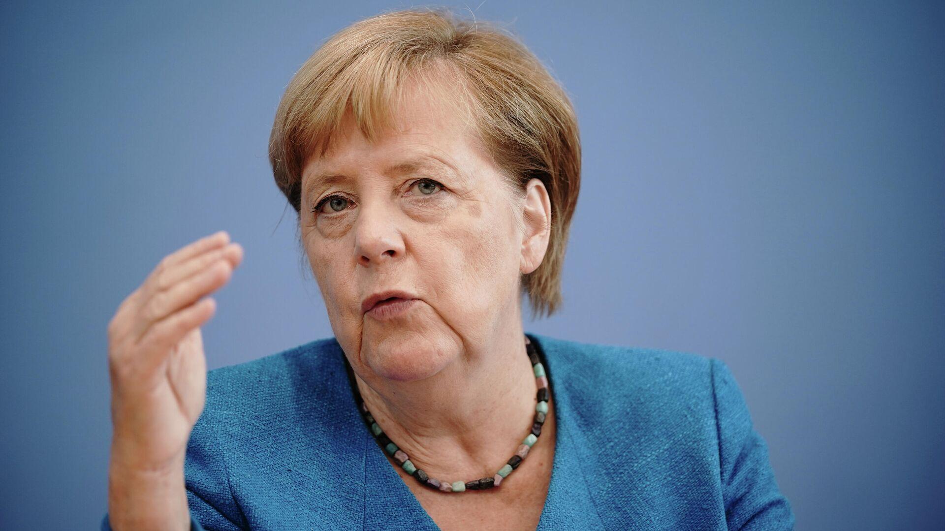 Ангела Меркель во время пресс-конференции в Берлине - РИА Новости, 1920, 08.09.2020