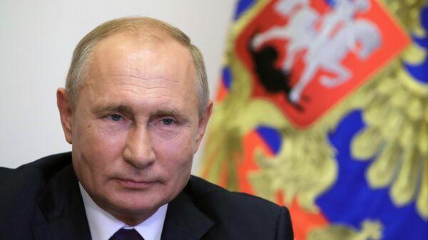 Президент РФ Владимир Путин во время встречи в режиме видеоконференции с мэром Москвы Сергеем Собяниным