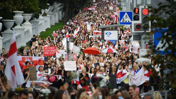 Участницы протестной акции женщин в Минске