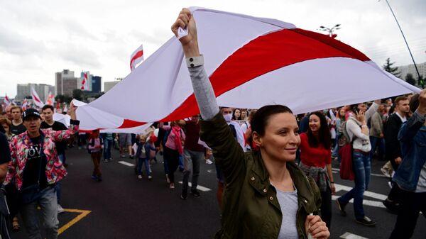 Участники несанкционированной акции оппозиции Марш единства в Минске.