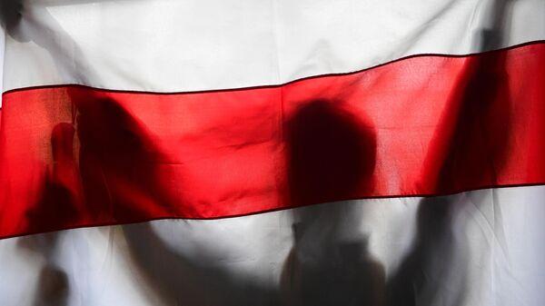 Оппозиционный флаг Белоруссии в Минске