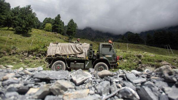 Индийский военный автомобиль