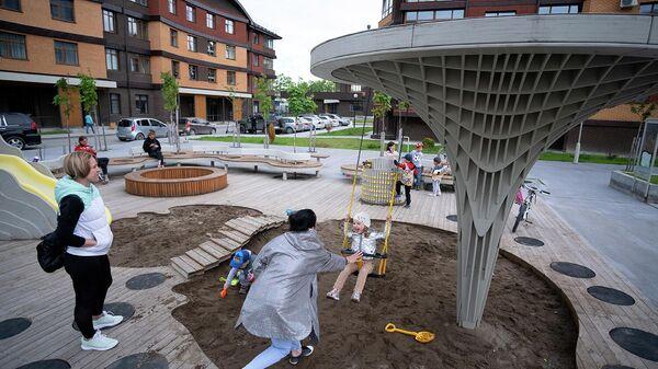 Игровая площадка во дворе жилого комплекса