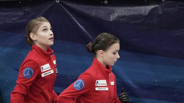 Алена Косторная, Анна Щербакова и Камила Валиева