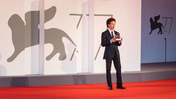 Мексиканский режиссер Мишель Франко, получивший гран-при жюри Венецианского кинофестиваля за фильм Новый порядок на 77-м Венецианском кинофестивале