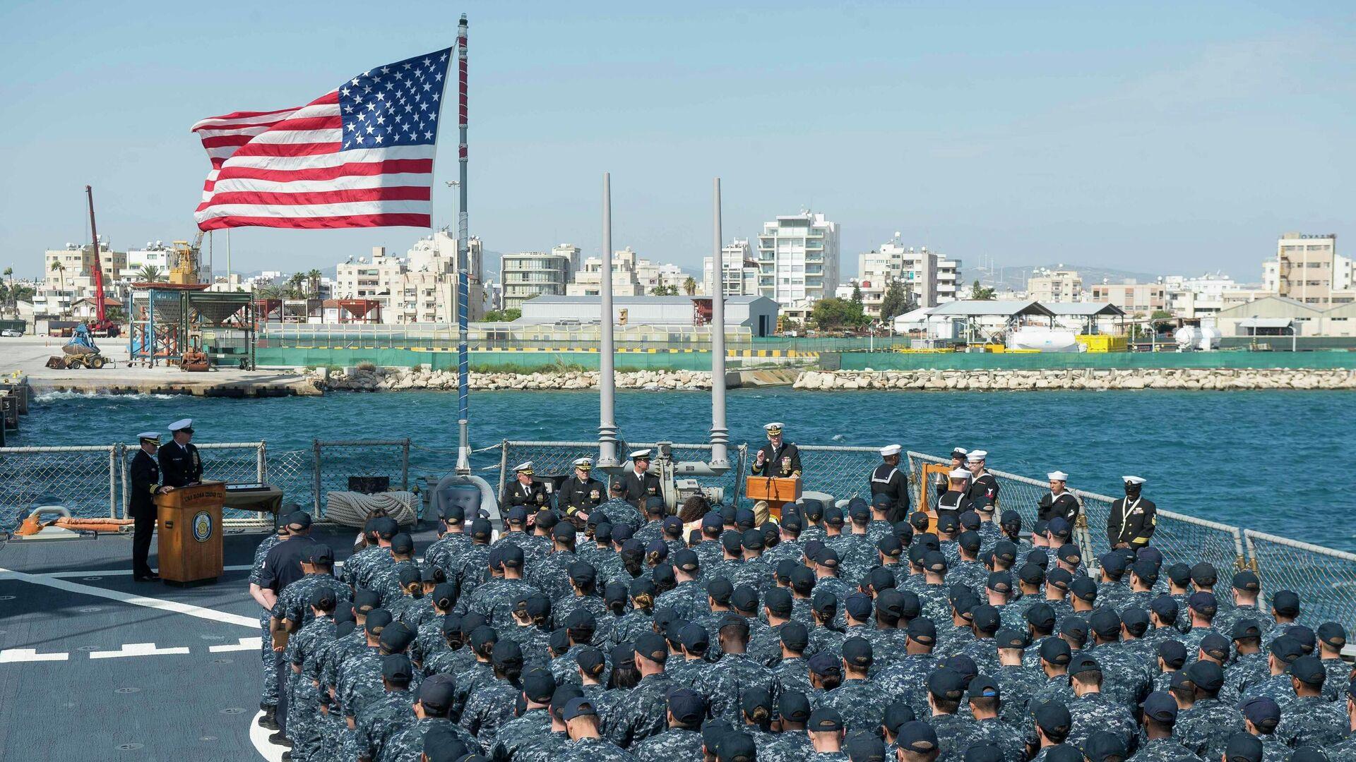 Американский ракетный эсминец USS Ross в порту Ларнаки, Кипр - РИА Новости, 1920, 03.11.2020