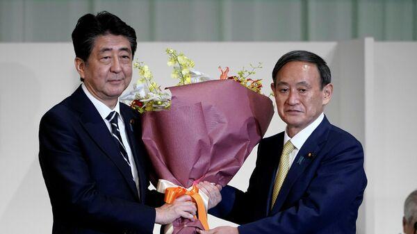 Премьер-министр Японии Синдзо Абэ Ёсихидэ Суга, избранный лидером правящей в Японии партии