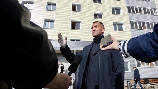 Глава Сургутского района Андрей Трубецкой на новоселье жителей в Лянторе