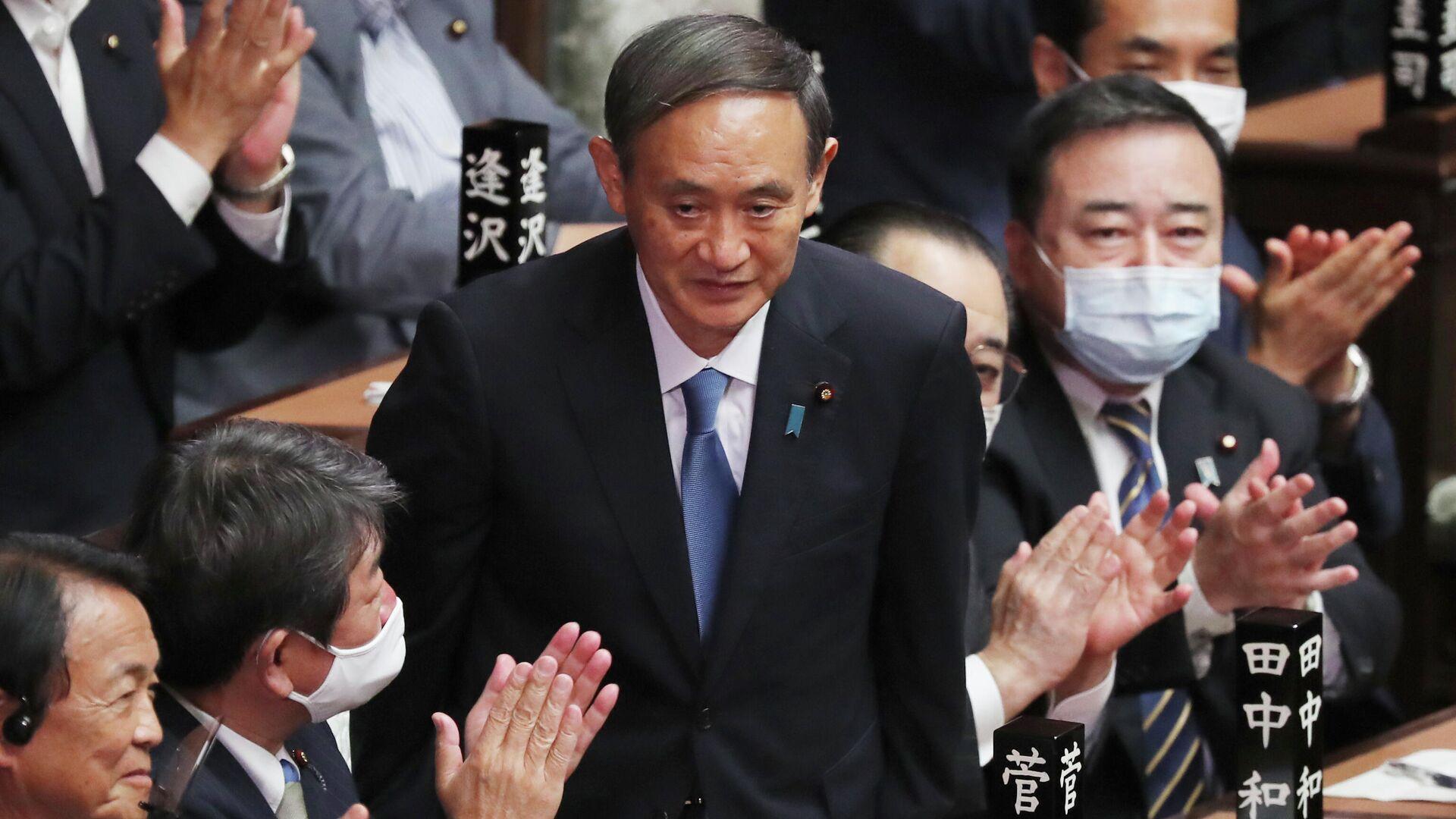 Есихидэ Суга в нижней палате парламента после избрания новым премьер-министром Японии - РИА Новости, 1920, 01.12.2020