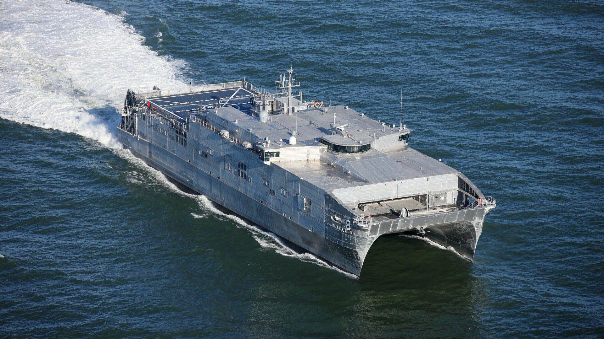 Быстроходный транспортно-десантный корабль USNS Yuma ВМС США  - РИА Новости, 1920, 08.07.2021