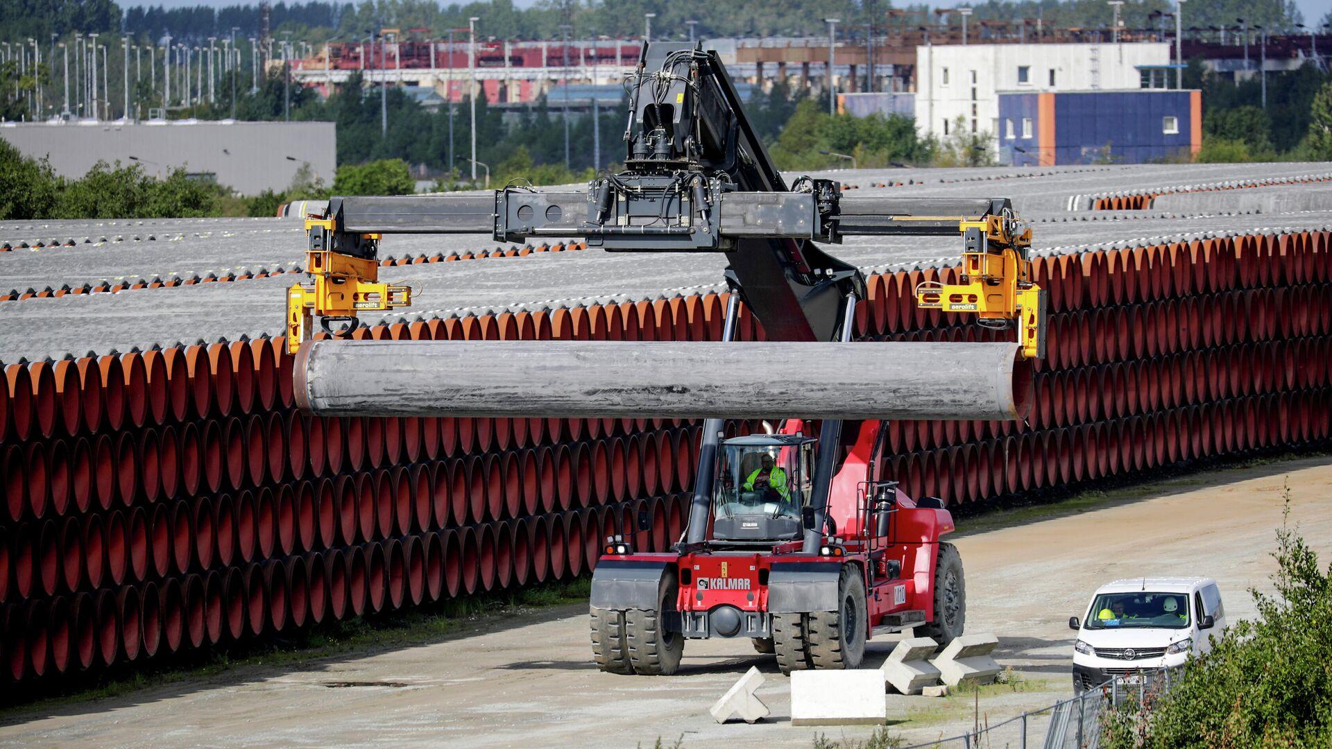 Трубы для строительства газопровода Nord Stream 2 на площадке в порту Мукран, Германия - РИА Новости, 1920, 19.09.2020