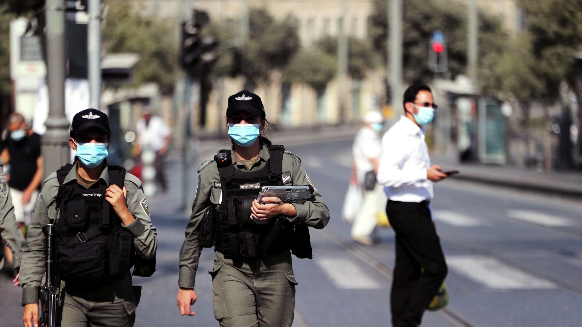 Израильские полицейские патрулируют главный рынок в Иерусалиме  - РИА Новости, 1920, 18.09.2020