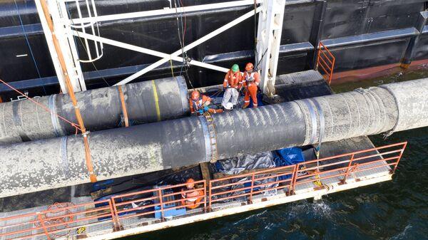 Надводная сварка захлестного стыка во время строительства газопровода Северный поток-2
