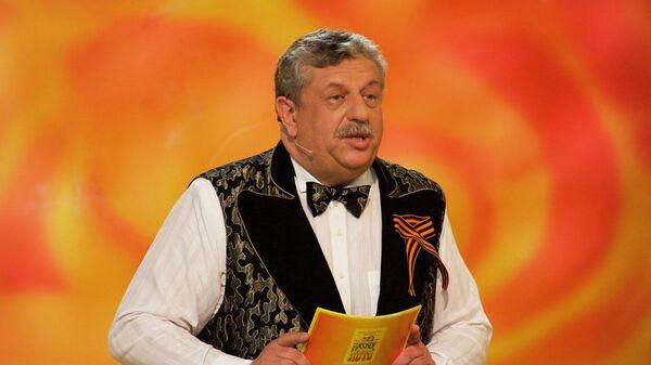 Ведущий и художественный руководитель еженедельной всероссийской телевизионной лотереи Русское лото Михаил Борисов