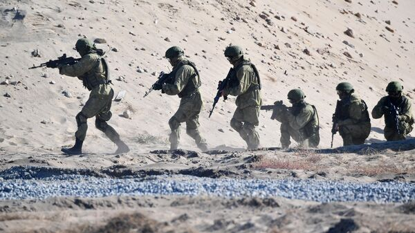 Военнослужащие во время учений Славянское братство - 2020