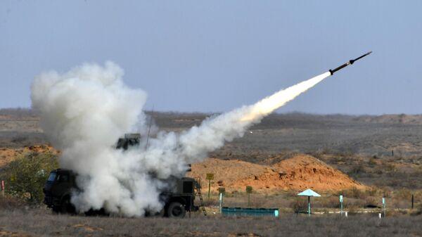 Зенитный ракетно-пушечный комплекс Панцирь-С во время командно-штабных учений Кавказ-2020
