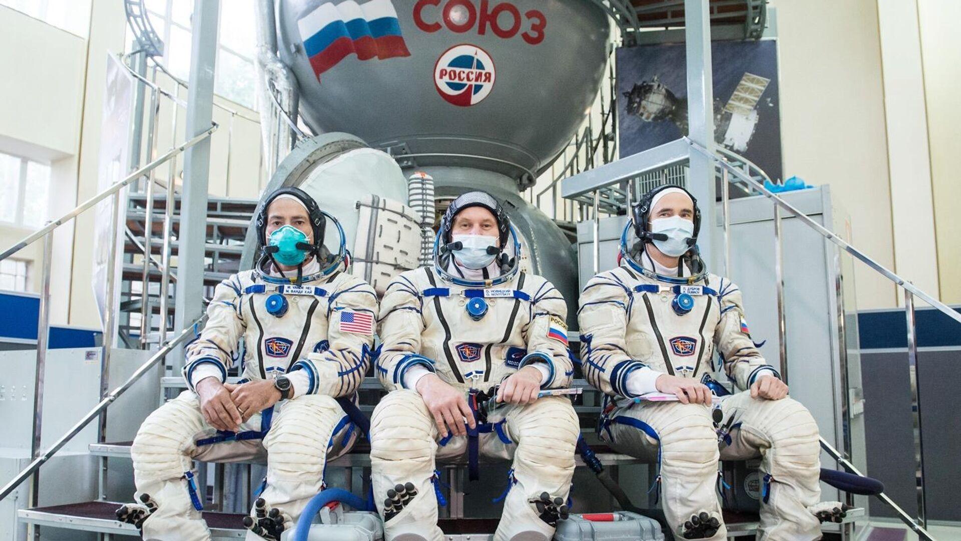 Члены дублирующего экипажа 64-й экспедиции на МКС - РИА Новости, 1920, 22.10.2020