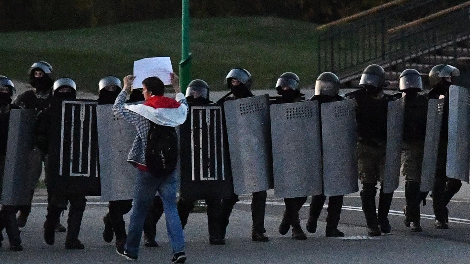 Сотрудники ОМОНа во время несанкционированной акции протеста оппозиции в Минске - РИА Новости, 1920, 24.09.2020