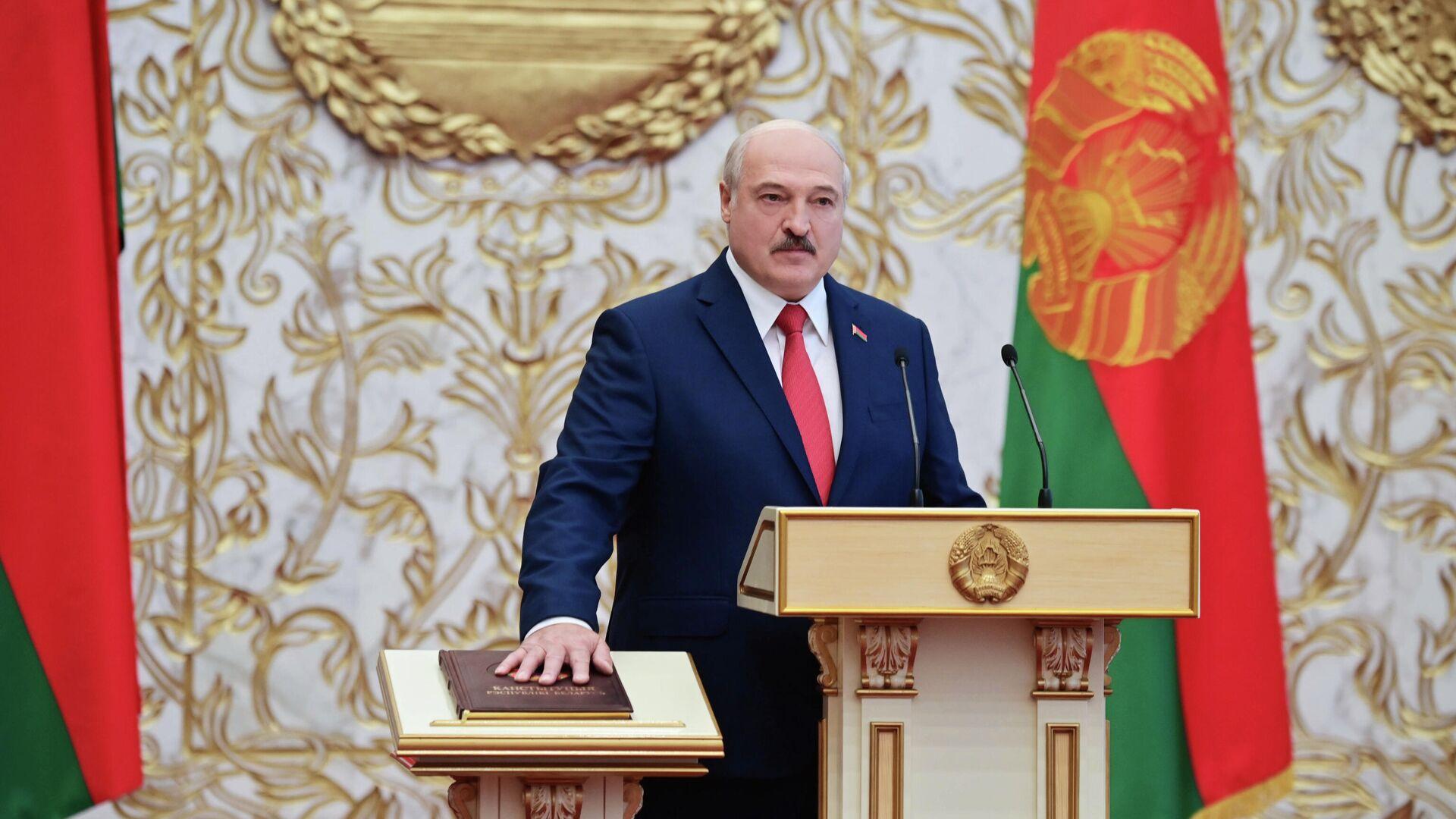 Президент Белоруссии Александр Лукашенко на церемонии инаугурации в Минске - РИА Новости, 1920, 25.09.2020