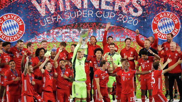 Футболисты Баварии после победы в матче за Суперкубок УЕФА