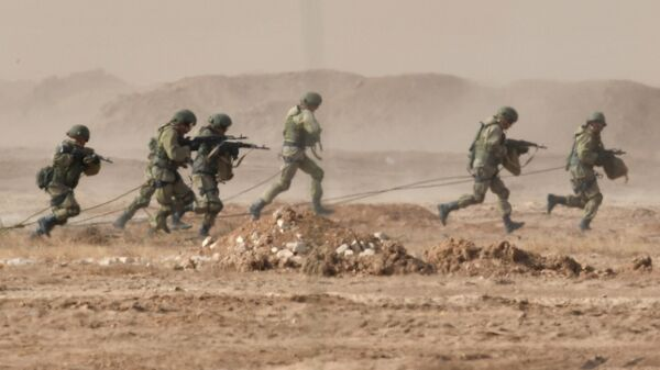 Военнослужащие во время командно-штабных учений Кавказ-2020
