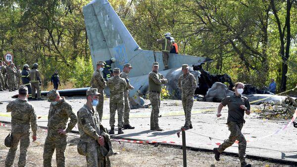 Оцепление месте крушения самолета Ан-26 под Харьковом