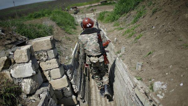 Армянский солдат в зоне карабахского конфликта