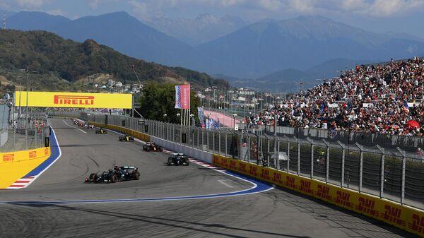 Вид на трассу Сочи Автодром во время гонки Гран-при России