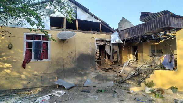 Разрушенный в результате обстрела жилой дом в Тертерском районе Азербайджана