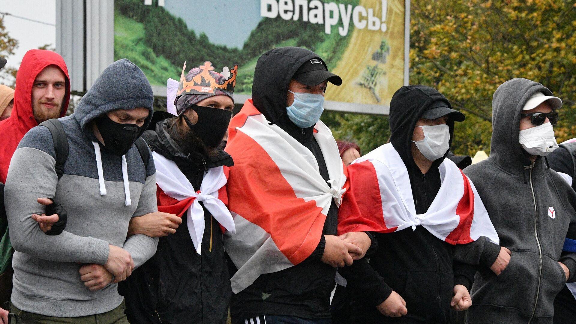 Во время несанкционированной акции протеста оппозиции в Минске - РИА Новости, 1920, 02.10.2020