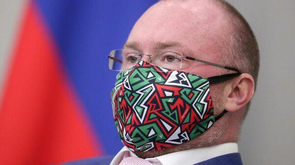 Заместитель председателя Государственной Думы РФ Игорь Лебедев на пленарном заседании Государственной Думы РФ