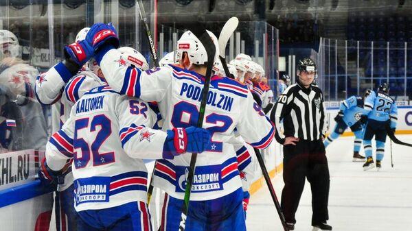 Хоккеисты СКА в матче с Сибирью
