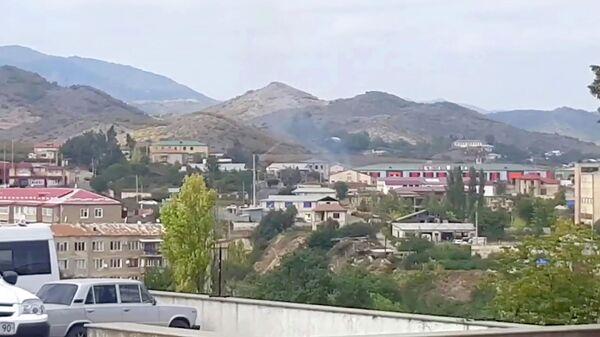 Кадр видео с видом Степанакерта после обстрела